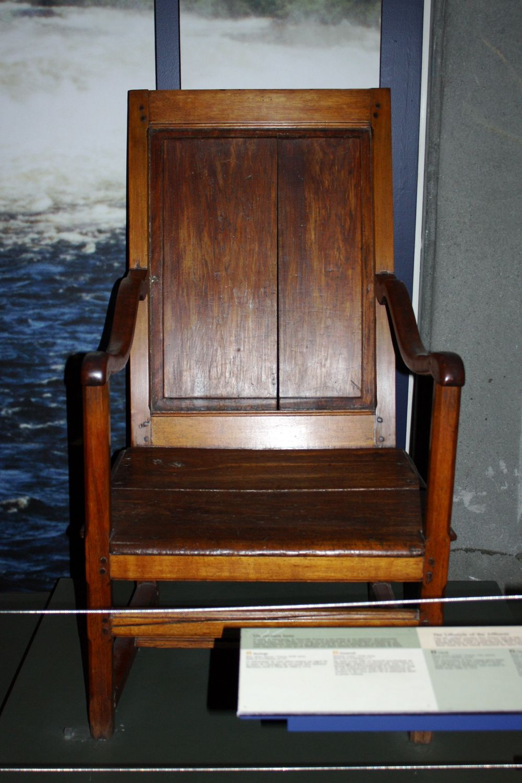 Tire toi une b che assieds toi dans l histoire museomix for Chaise 19eme siecle